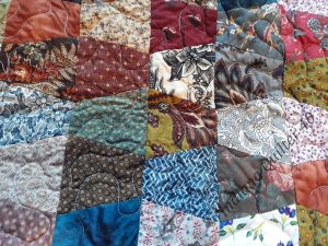 Scrappy Tumbler Quilt - how the tumblers look all sewn together with no resting spot for the eyes.
